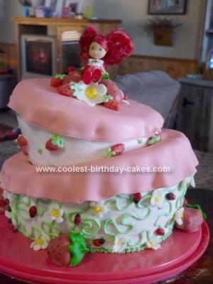 Vintage strawberry shortcake birthday cake