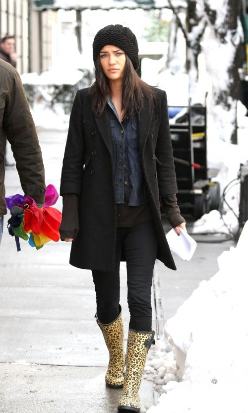 Omg, Vanessa is wearing the exact same boots I have?!