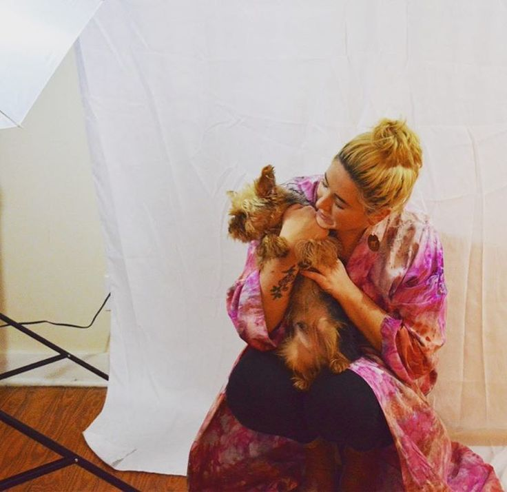 Www.airtobe.com Photoshoot With @shmibly And Her Cute Pup