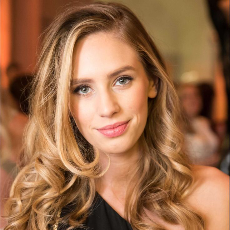 Dylan Penn, daughter o...
