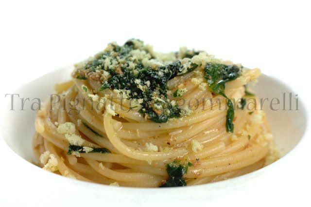 Spaghetti con cicoria, bottarga di tonno, colatura di alici e mollica di pane al prezzemolo   Tra Pignatte e Sgommarelli
