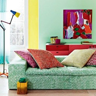 Colour wheel interi rer hj rta och inredning for Simple green living room designs