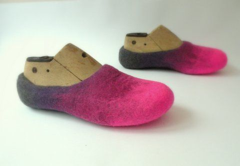 Felted slippers Fuchsia 37 EU size (6.5 US women size) ready to ship in 1 business day