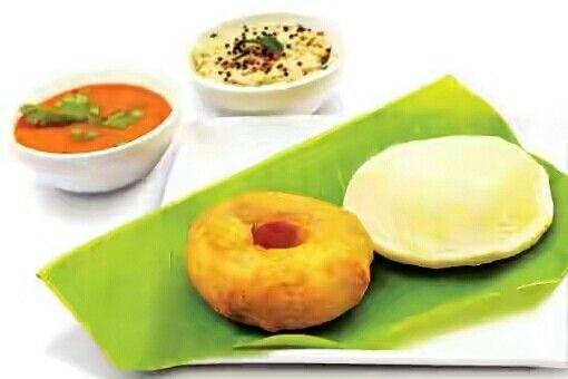 Vada Sambhar, Idli Vada, Idli Sambhar, South Indian Dishes.