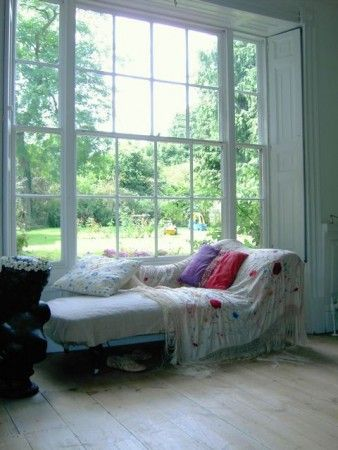 1000 images about chaise lounge on pinterest english for Bay window chaise lounge