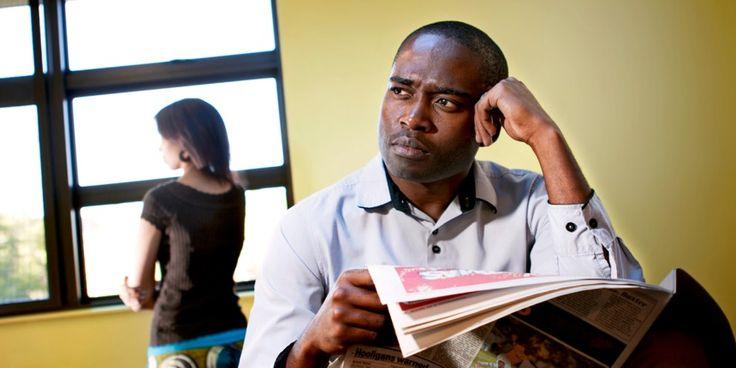 Hay parejas que, cuando discuten, dejandehablarse porhoras ohastadías. Los principios bíblicos pueden ayudarle anousar esatáctica.