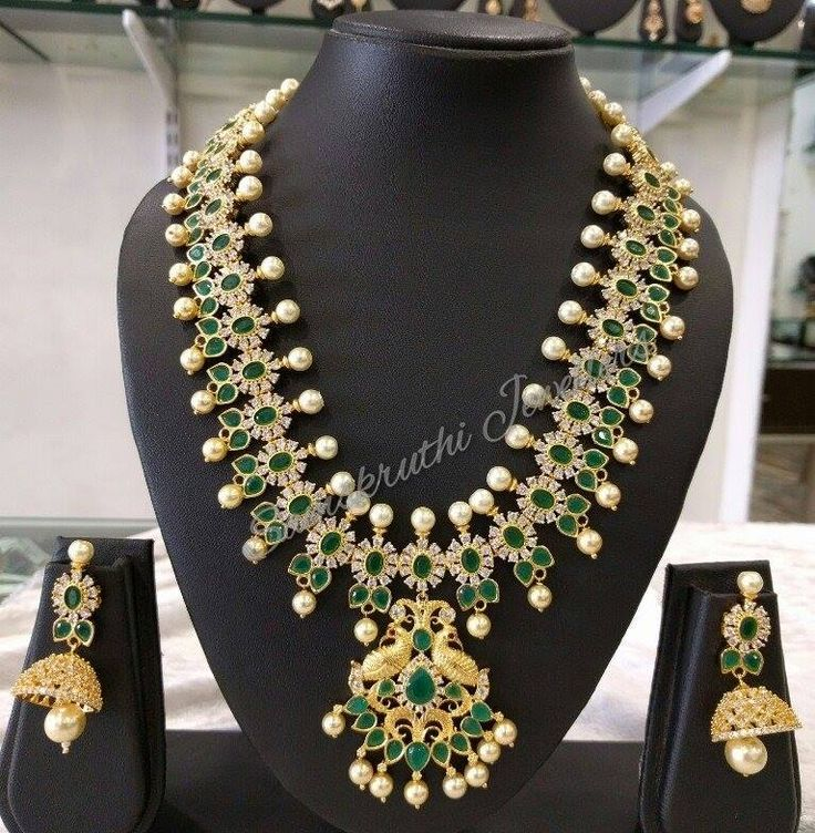 Code: NS-J856Price: 10500 rsScrew style earringsTo place an order kindly WhatsApp on 8790112233/www.samskruthijewellers.com 13 September 2016