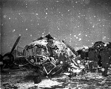 February 6, 1958 – Seven Manchester United footballers are among the 21 people killed in the Munich air disaster in West Germany on the return flight from a European Cup game in Yugoslavia. 23 people survive, but four of them, including manager Matt Busby and players Johnny Berry and Duncan Edwards, are in a serious condition.