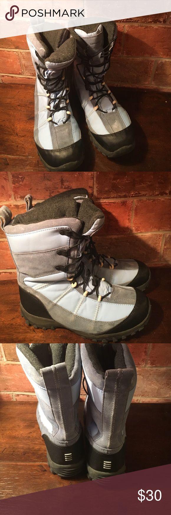 Lands'End snow boots Lands'End snow boots. Excellent condition. Men's size 7 women's size 9 Lands' End Shoes Winter & Rain Boots