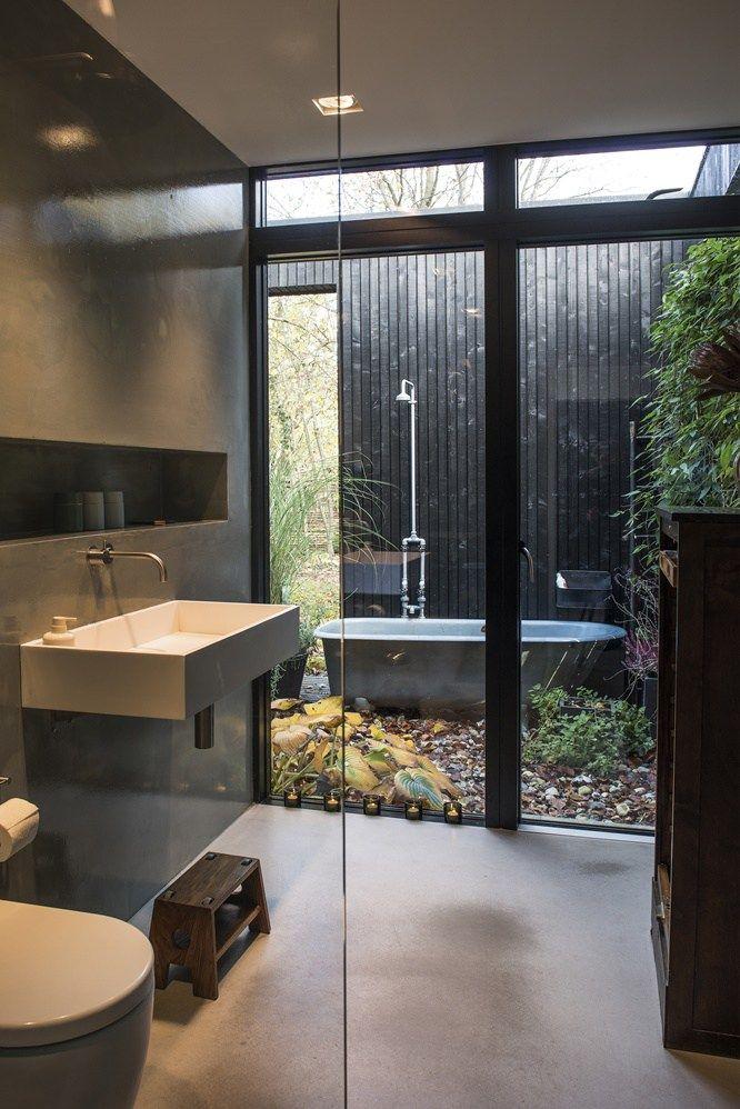 Une maison en bois noir en pleine nature - PLANETE DECO a homes ...