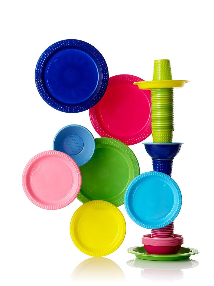 Colorix plastic cups and tableware in bright and bold colors set the tone to any kid´s party.