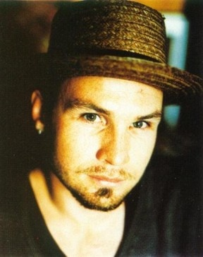 Jeff Ament is a cutie patootie. This has been a psa