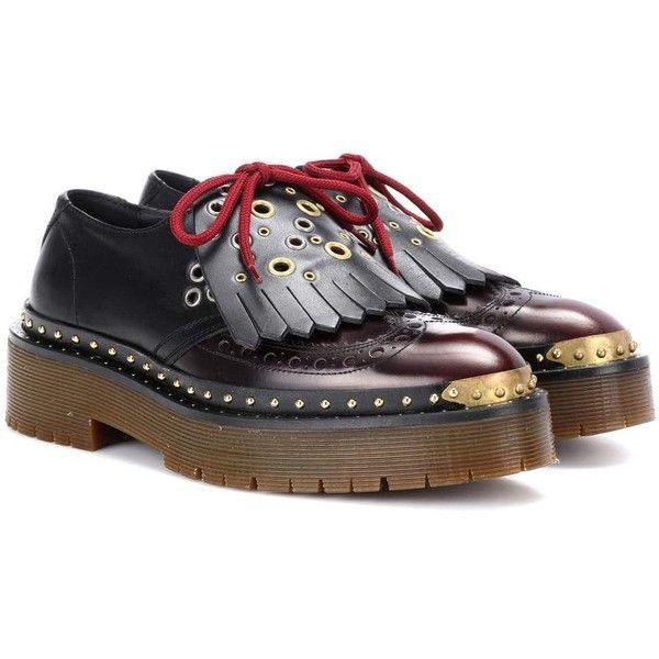 Burberry Leather Platform Brogues (23.448.755 VND) ❤ liked on Polyvore featuring shoes, oxfords, brogues, brown, flat shoes, platform oxfords, brogue shoes, brogue oxford, burberry shoes and brown brogues