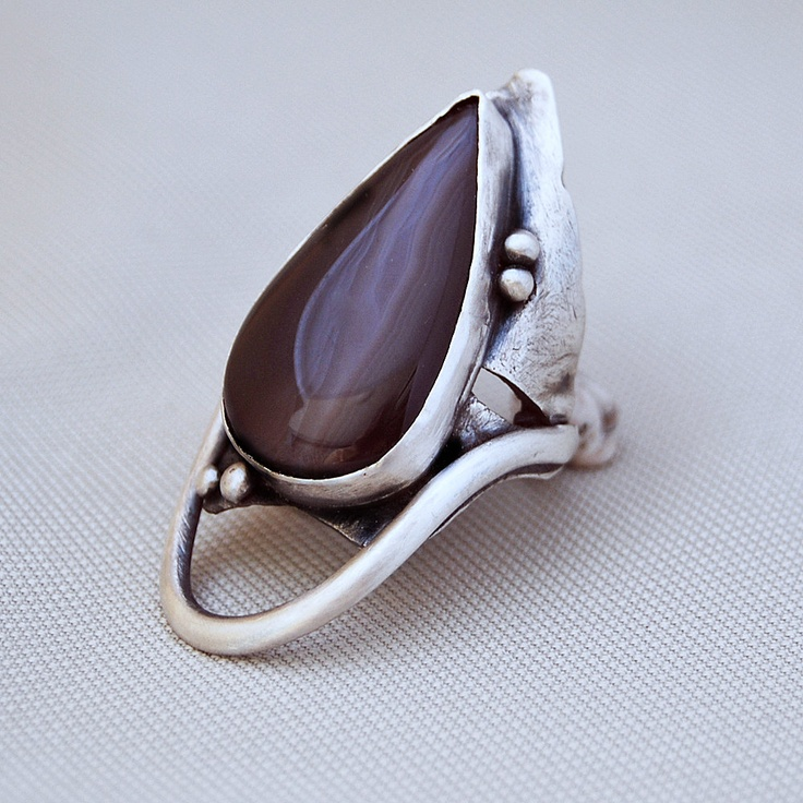 Ring | Cyndie Smith.  Silver and Agate