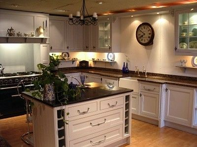 Modern Victorian Kitchen mix with Classical Furniture