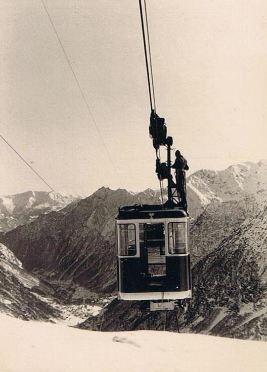 Old cableway to Indren