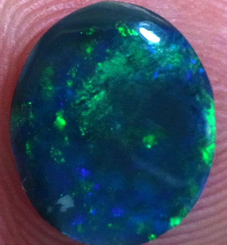 Sold 1.55 carats of Lightning Ridge's finest to Arkansas U.S.A  see www.gemniopals.com.au and click on 'Online Store'