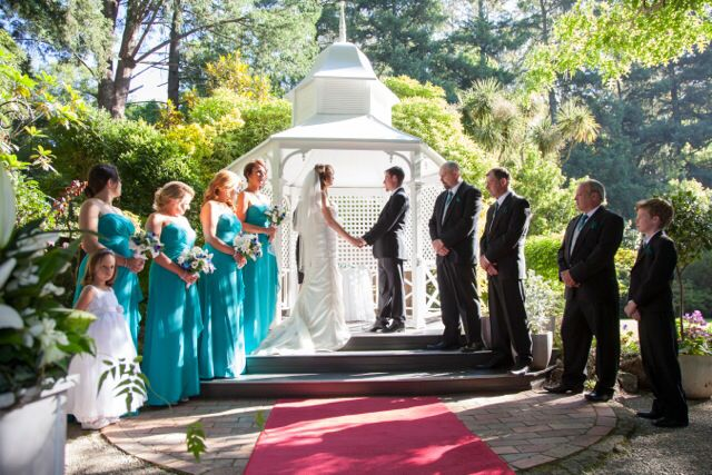 Wedding ceremony at Poets Lane by Magnolia Images
