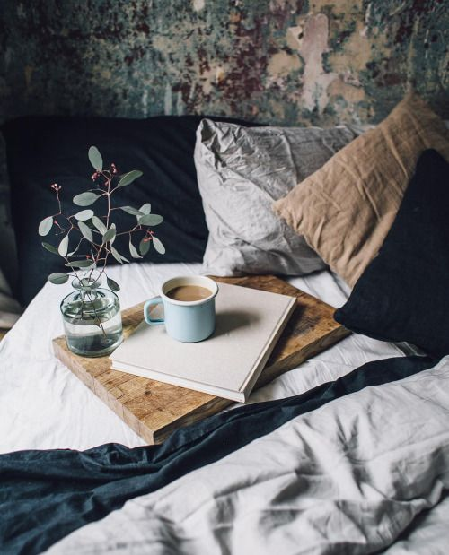 this is the kind of bedroom I want. It looks so cosy and how fab reading and drinking coffee in bed.
