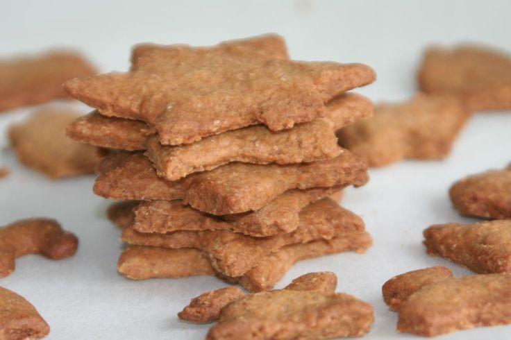 Speculaas zonder suiker. Deze koekjes zijn gemaakt met volkoren meel en oerzoet. Net zo lekker en een stuk gezonder.