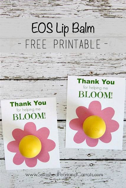 Easy to make Thank You gift using EOS lip balms and a free printable. Great for teacher appreciation gift, end of school year gift, and thank you gifts.