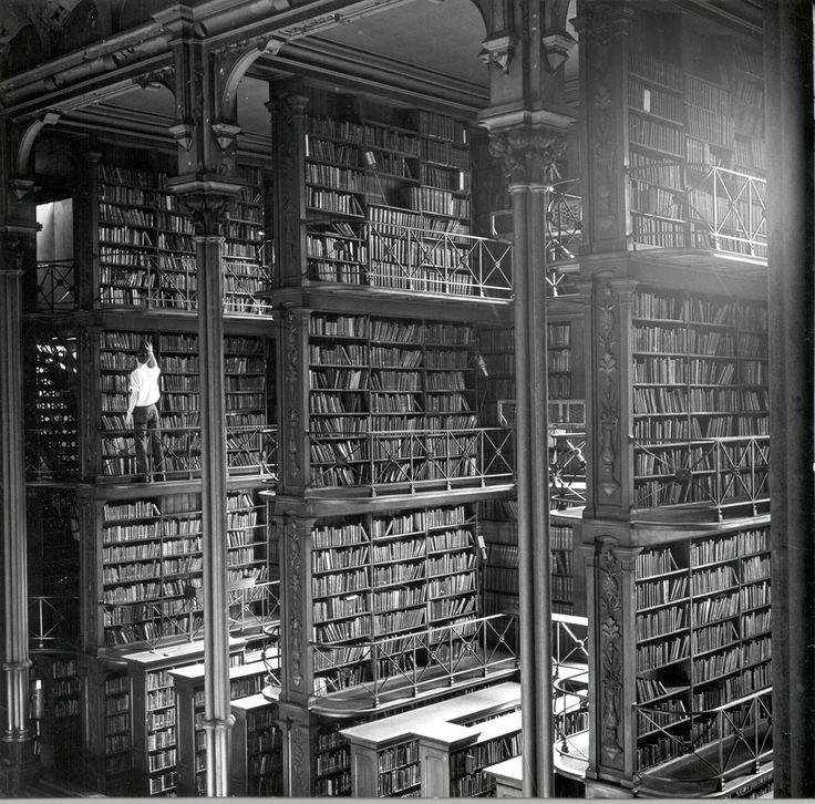 Resultado de imagem para biblioteca antiga