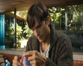 Ashton Kutcher knitting