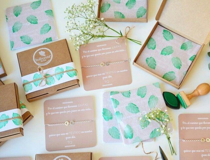 Silver bracelets. Pulseras para bodas presentadas con diseño propio personalizado.
