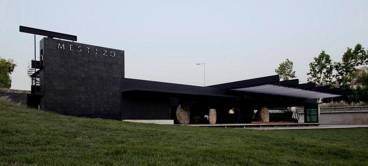 Restaurant Mestizo / Smiljan Radic