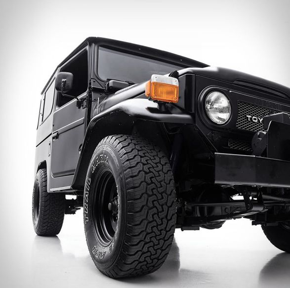 If you´re a regular visitor to the site you´ve probably notice by now that we are big fans of the Toyota Land Cruiser FJ40. Today we are listing a chance to own this remarkably maintained and incredibly equipped FJ40. The featured FJ40 is a 1979 mode