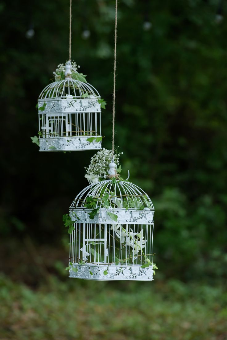 Hangin birdcages - forest wedding decoration - inspiration for fairy tale theme