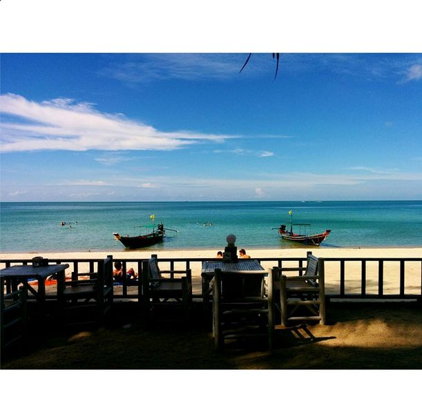 And Upaasna's first taste of a picture perfect #Thailand island! With a view like this, relaxing is the only option! But wait, there is also some #snorkeling to do! Here she goes.