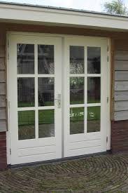 Ik wil in de keuken openslaande deuren naar de tuin. Waar de tuindeur zit moet dan een raam komen. Google zoeken