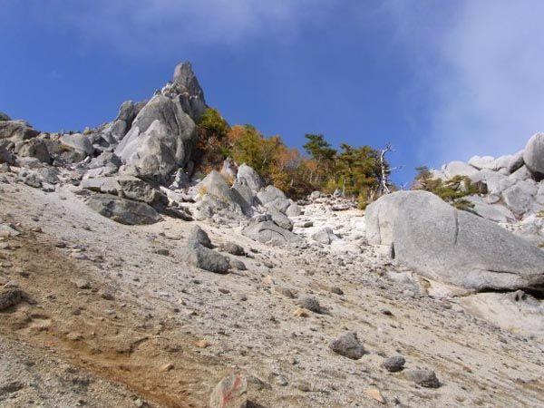 地蔵岳オベリクス。鳳凰三山縦走路|南アルプス登山ルートガイド。Japan Alps mountain climbing route guide