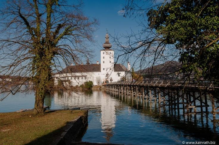 Blick auf Schloss Orth (Gmunden, OÖ)
