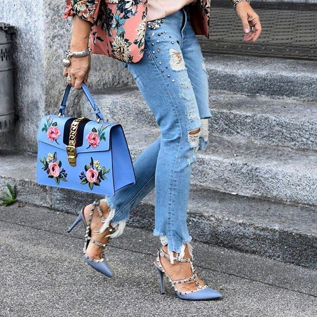 @Regrann from @dreamandwear - Florals & Denim🌸👖New post online 👉🏼Link to my blog in my bio 👉🏼www.dreamandremember.com 📩#florals #floral #floralblazer #shein #sheinside #denim #rippedjeans #rippeddenim #highheels #bag #floralbag #guccibag #zarajeans #zara #lookbook #look #lookoftheday #streetstyle #streetwear #fashiondiaries #fashionblogger #blogger #fashion #fashionista #ootd #ootdfashion #blue #details #detailsoftheday