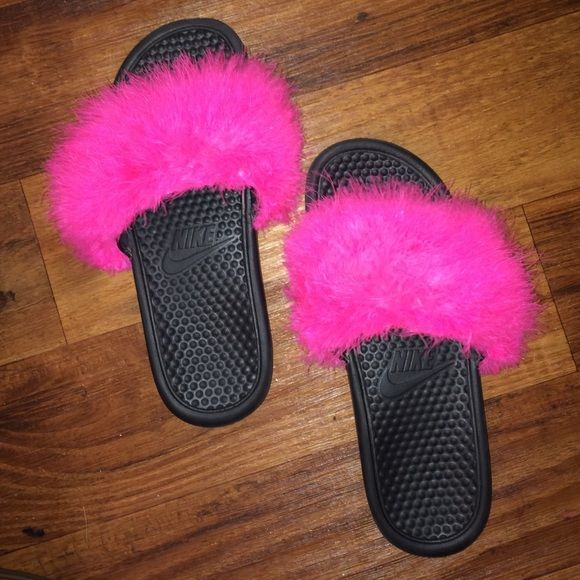 Nike Shoes - Fluffy slides