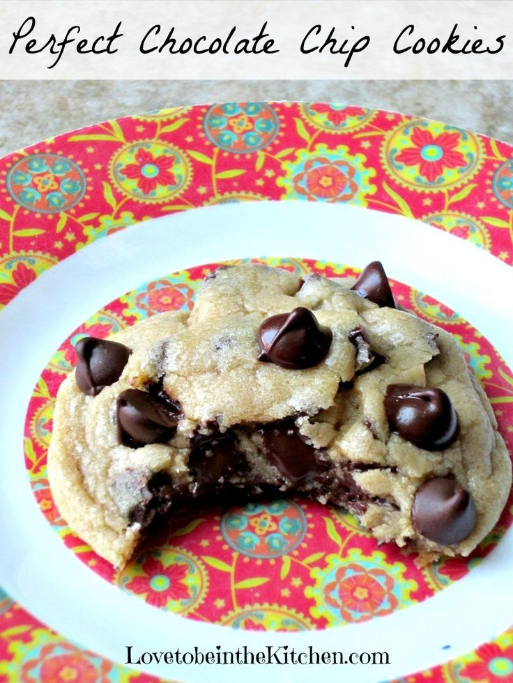 This Perfect Chocolate Chip Cookie is so soft and chewy, easy to make and hard to mess up! | Featured on The Best Blog Recipes