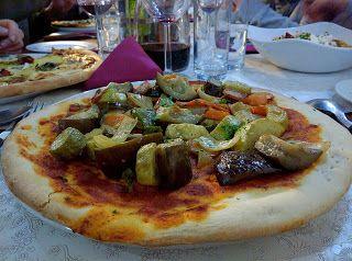 Saure Gurken Pizza mit Möhren