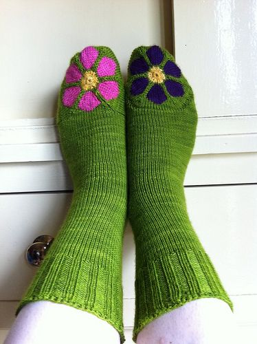 Ravelry: Bluemchen - Flowers pattern by Beate Zäch