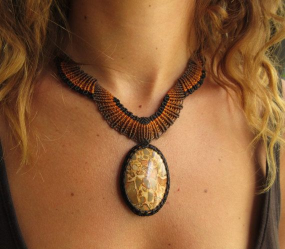 Safari Jasper (Leopardite) Macrame Collar artesanal con cabujón de piedra jaspe de Safari
