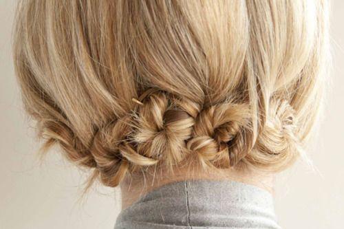 cute: Hair Ideas, Shorter Hair, Hair Tutorials, Hair Romance, Hair Twists, Shorts Hair, Long Hair, Hair Style, Minis Buns