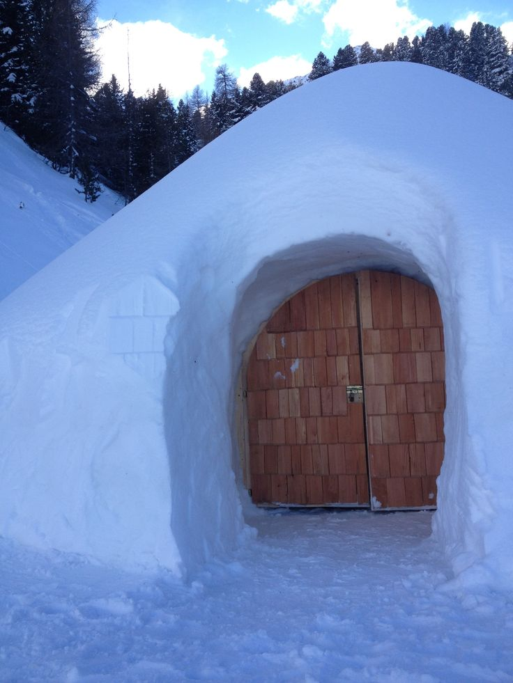 Wanna see what's inside? Guests book an overnight stay inside these iglus at Speikboden in South Tyrol.