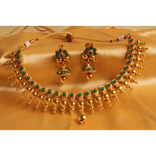GORGEOUS ROYAL KERALA STYLE GOLD PLATED GREEN NECKLACE SET