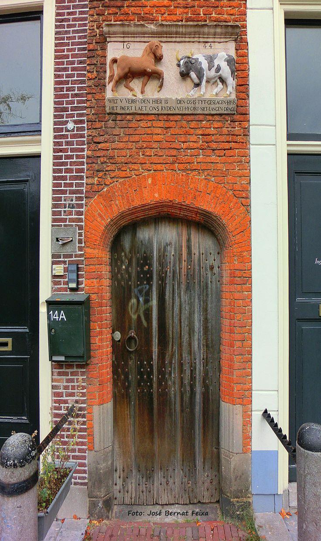 Leiden telt 35 hofjes