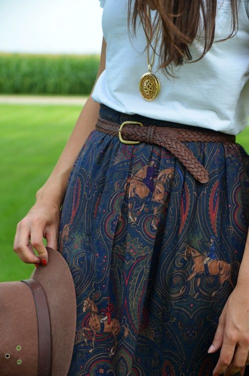 patterned skirt, belt, long necklace
