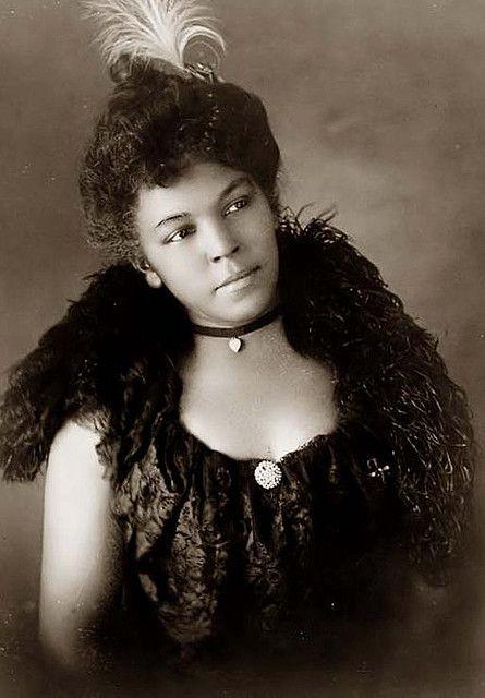 Black woman 1899 - Just gorgeous!