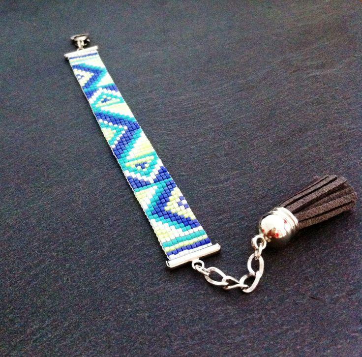 Bracelet Manchette Motifs geométriques bleu marine, turquoise, jaune fluo, blanc et argenté ! : Bracelet par thedreamfactory