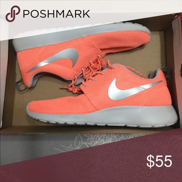 Women's Nike Roshes Nike roshes I purchased at champs in New York. I only wore once to notice there were small for me. There still in good condition! Nike Shoes Athletic Shoes