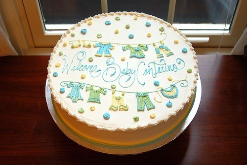 Cake decorating: 3 tips for writing messages with icing